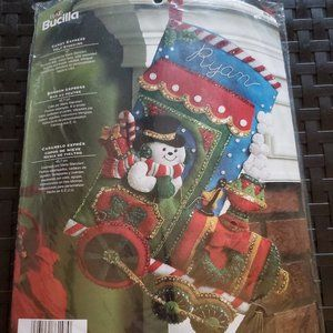 NEW Plaid Bucilla Candy Express Felt Stocking Kit